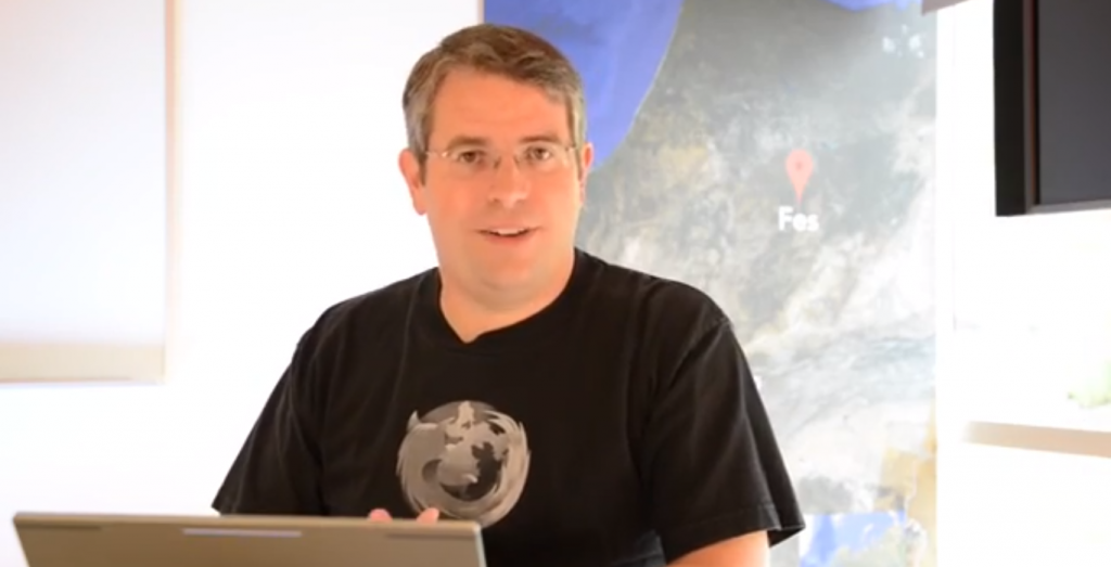 Matt Cutts talks about guest blogging in his latest Google Webmaster Help video.